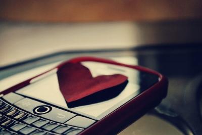 blackberry-bold-heart-love-phone-Favim_com-131824