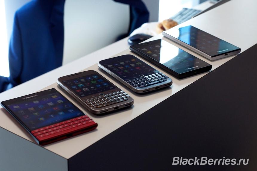 BlackBerry-Classic-White-Blue-Bronze-12